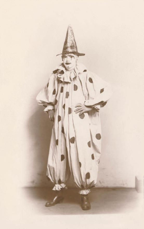 Picture Of A Whiteface Circus Clown 1907
